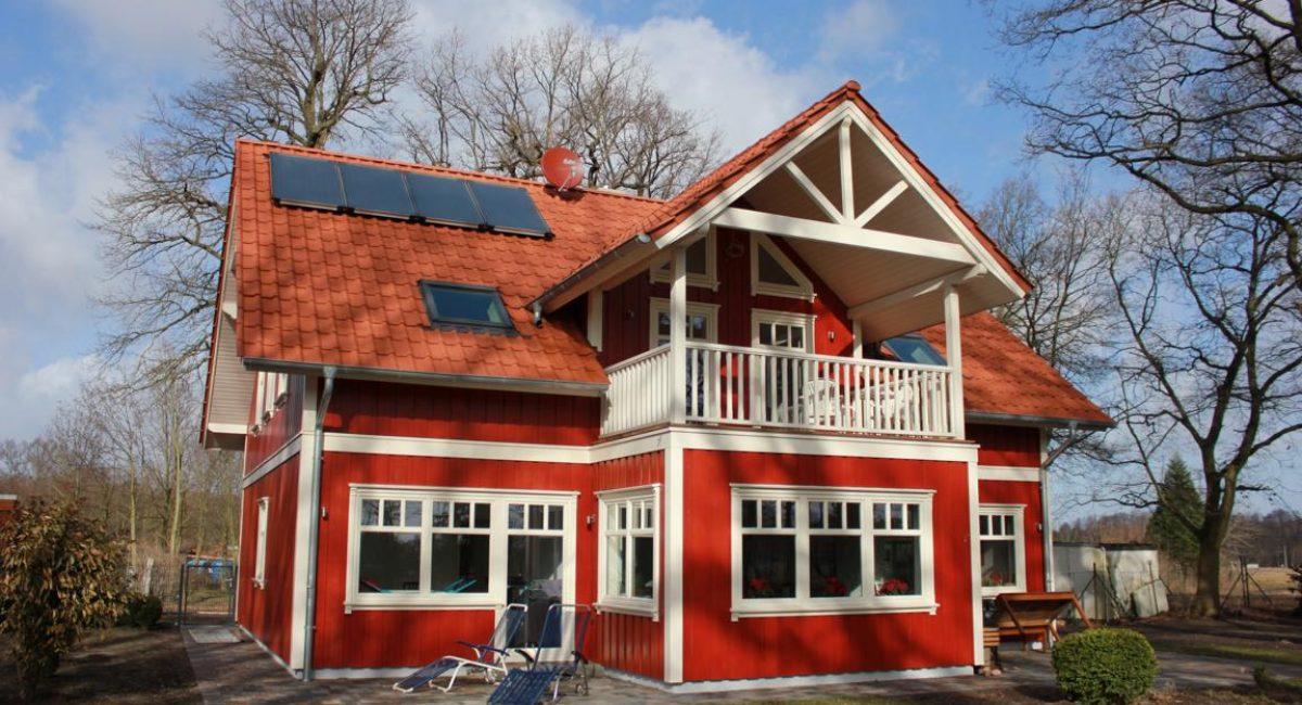 Schwedenhaus als Holzrahmenbau (Schwedenrot)